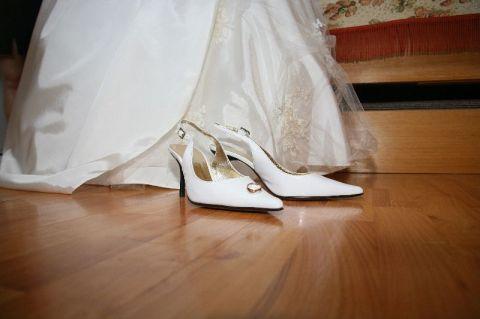 Бели обувки от N&G, Варна